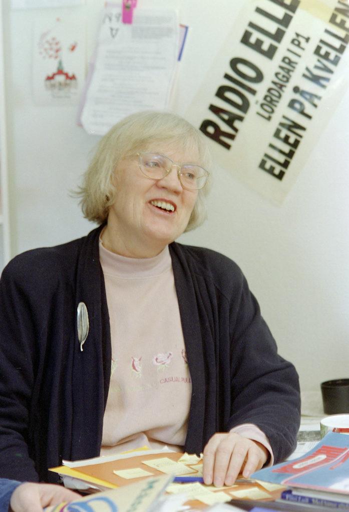Isa Edholm på redaktionen för Radio Ellen i Umeå i februari 1994